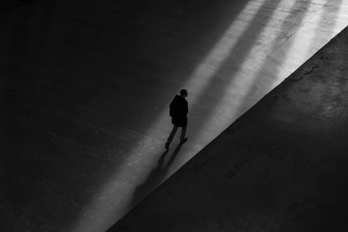 alone-black-and-white-cool-wallpaper-764880