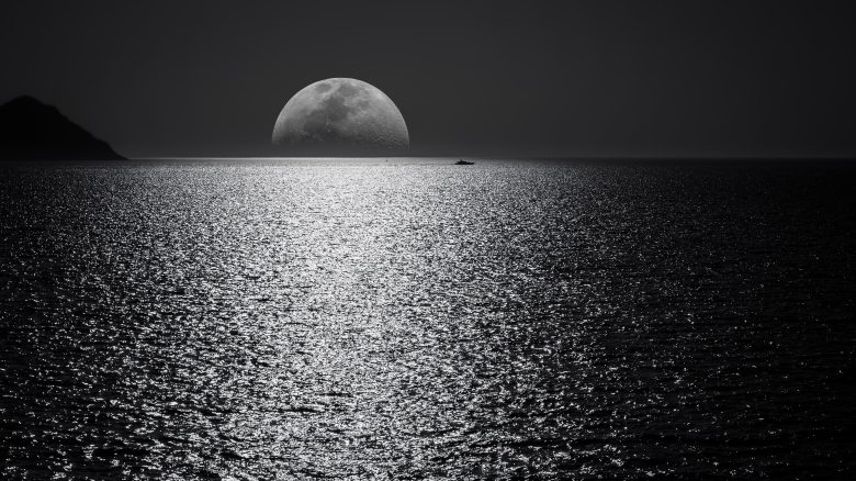 black-and-white-boat-darkness-748626 (1)